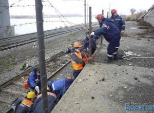 С моста на трассе М-4 «ДОН» упали рабочие: 1 погиб, 1 травмирован