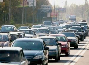 Самая длинная пробка в Ростове растянулась на 6 километров, самая долгая - на 9,5 часа