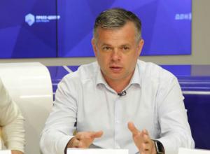 Сотрясание воздуха: как и зачем Анатолий Котляров обманывает ростовчан