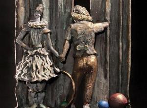 Вдова Олега Попова выбрала памятник «с собой», который придумал ростовский скульптор