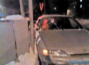 В Ростове водитель на «пятнадцатой» сбил двух девушек (ВИДЕО)