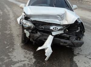 В Ростове женщина-водитель на «Хендае» спровоцировала ДТП: 5 пострадали