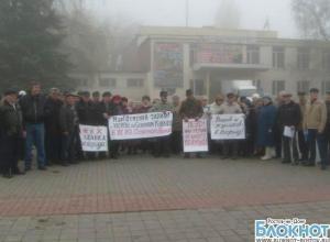 Жители Зверево прекратили голодовку на время переговоров с властями