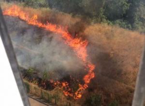 Крупный пожар неожиданно охватил ЖК «Красные ворота» в Ростове