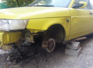Автовор с ломом в руке «обносит» машины в Ростове-на-Дону