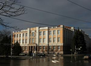 Директора дома культуры в Ростовской области уволили во время декретного отпуска