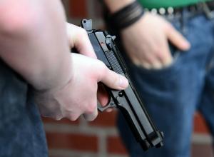 Маленький мальчик попал «под обстрел» у собственной школы под Ростовом