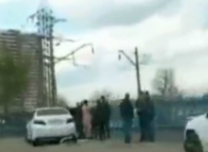 Молодого автомобилиста порезали ножом и бросили истекать кровью на парковке Ростова