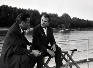51 год назад Юрия Гагарина в гостях у Михаила Шолохова восхитили красоты Дона и ростовские девушки