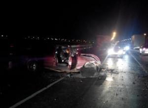 Под Ростовом при столкновении с двумя грузовиками погиб водитель «Форда»