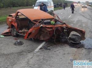 В Ростовской области столкнулись маршрутка, фура и ВАЗ: 4 пострадали