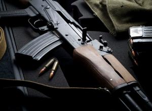 В квартире подозреваемого в мошенничестве ростовского предпринимателя обнаружили оружие и боеприпасы