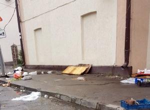 С колхозным рынком сравнили улицу Фрунзе после выходных ростовчане