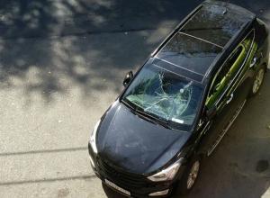 Ночных прыгунов по машинам ищет разъяренный автовладелец в Ростове
