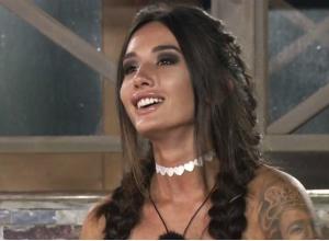 Секс-звезда «Дома-2» из Ростова превратилась в «пухляша» и ужаснулась своим ляжкам