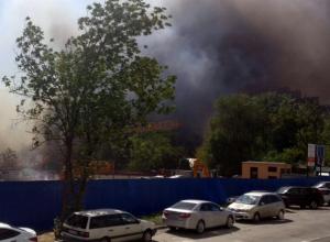 МЧС открыло «горячую линию» из-за масштабного пожара в Ростове