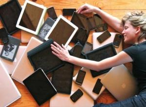 Свихнувшаяся трудоголичка в Ростове отнесла в ломбард 9 ноутбуков с работы