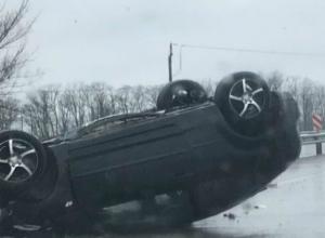 Двое мужчин попали в больницу после аварии под Ростовом