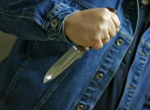 Молодой мужчина с ножом терроризировал женщин и детей на остановке под Ростовом