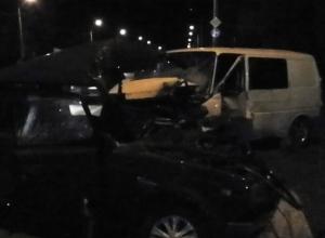 В Ростовской области в тройном ДТП с микроавтобусом один человек погиб, четверо пострадали