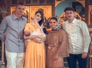 Назло всем суевериям Анастасия Костенко из Ростова показала лицо своей месячной дочери