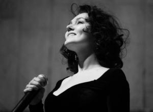 В Ростове покончила жизнь самоубийством солистка джаз-оркестра Кима Назаретова