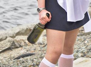 В Ростовской области в День последнего звонка пьяные выпускницы устроили поножовщину возле школы