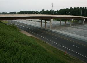 Критическое состояние нескольких дорожных мостов в Ростовской области отметил губернатор