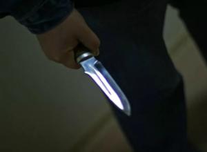 Фатальный удар ножом в живот своему приятелю нанес обиженный мужчина в Ростовской области