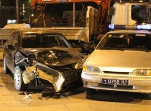 В Волгодонске пьяный водитель врезался в машину ДПС и сломал инспектору ногу