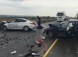 15-летний пассажир пострадал в столкновении иномарок на федеральной трассе в Ростовской области