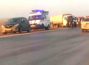 Два человека погибли и трое получили ранения в столкновении иномарки, «Газели» и микроавтобуса на трассе Ростов - Волгодонск