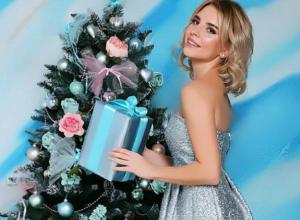 Красивые девушки Ростова показали себя в интересном виде у «интимных» ёлок