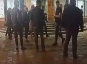 Воспользовавшись ситуацией массовой драки, девушка технично обокрала ее зачинщика в Ростове