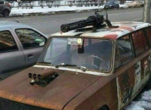 «Безумный» ВАЗ с пулеметом на крыше взбудоражил жителей Ростова-на-Дону