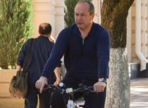 Виталий Кушнарев скатился вниз в национальном рейтинге мэров городов