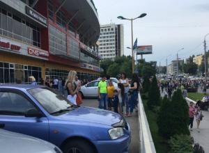 «Взрывоопасная коробка» испортила воскресный шоппинг посетителям торгового центра в Ростове