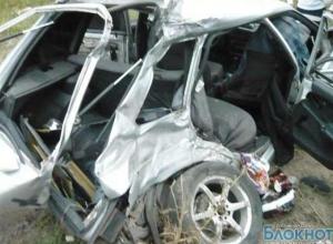 В Таганроге маршрутка столкнулась с «ВАЗ-2114», водитель легковушки погиб