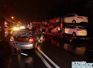 Тройное ДТП в Ростове: «Киа» врезалась в автовоз «МАН» и «Хендай»