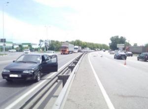 На трассе М-4 «Дон» в Аксайском районе пешехода сбили два ВАЗа