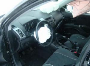 В Ростовской области женщина-водитель погибла после опрокидывания «Митсубиси»