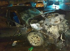 Жуткое массовое ДТП с семью автомобилями и двумя пострадавшими мужчинами в Ростове попало на видео
