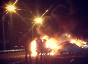 На въезде в Ростов горящий «ВАЗ-2104» столкнулся с «десяткой»
