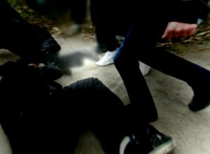 Двое хулиганов избили молодого мужчину ногами по лицу в частном секторе Ростова