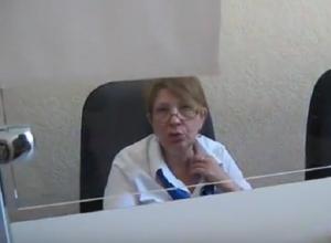 Женщину-инвалида первой группы жестко унизили в ростовском водоканале на видео