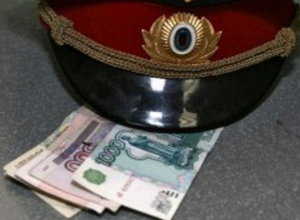 В Ростове сотрудник полиции подозревается в получении взятки в 1 млн 150 тысяч рублей