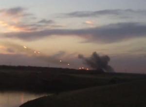 Появилось видео стрельбы из «Градов», предположительно, вблизи украинской границы в Ростовской области