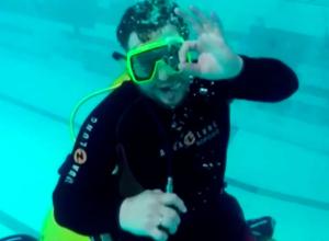 Первую в мире подводную самоходную коляску показал изобретатель из Ростовской области