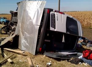 В Ростовской области при столкновении пассажирской маршрутки и легковушек 4 погибли, 15 пострадали