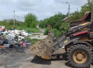 Знаменитую свалку на окраине Ростова ликвидировал бульдозер